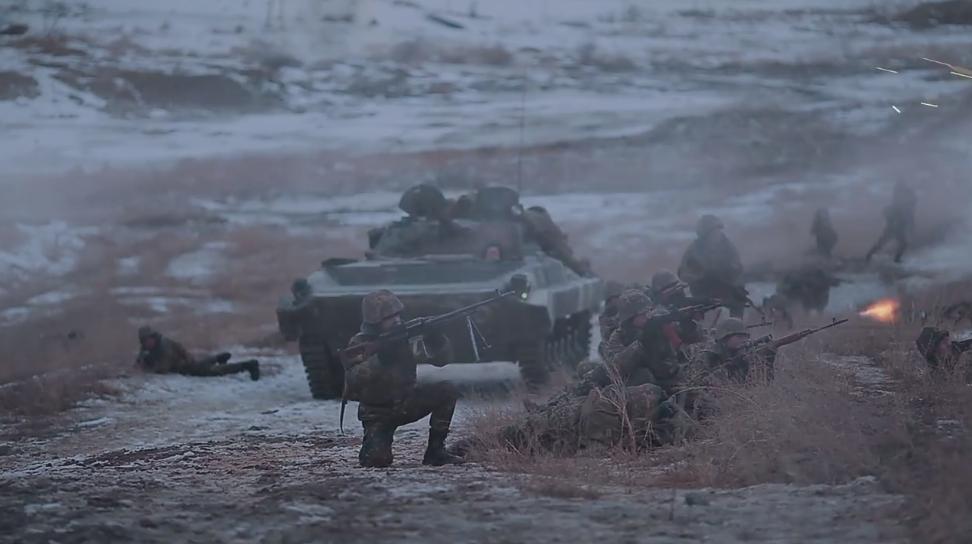 AE模板-军事战争导弹子弹烟雾拖尾开枪射击火焰特效 Trapcode Battlefield Essentials
